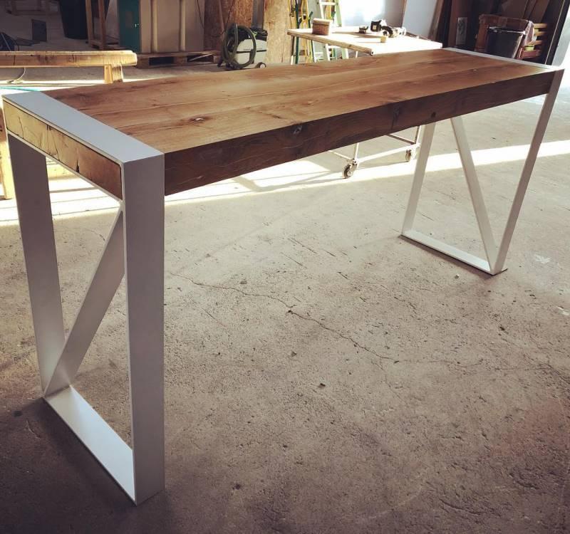 Table type mange debout